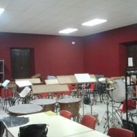 Corrección acústica en aula de música Sistema de absorción acústica, acabado en tela ignifuga Falso techo acústico